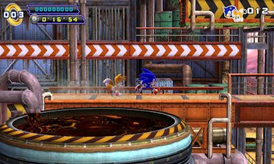 Screenshots of the Sonic 4 Episode 2 for Android tablet, phone.
