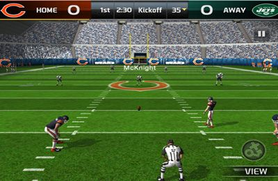 Screenshots of the Madden NFL 25 game for iPhone, iPad or iPod.