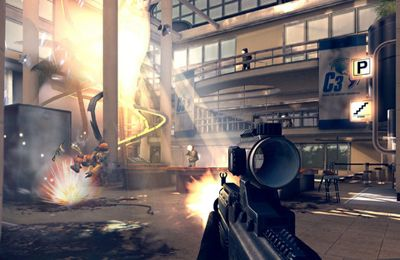 Screenshots of the Modern Combat 4: Zero Hour game for iPhone, iPad or iPod.