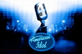 In addition to the sis game Medal of Honor: Infiltrator for Symbian phones, you can also download American Idol for free.